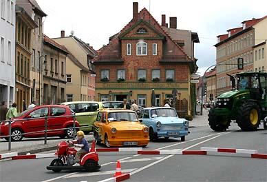 Zwischen Neuwagen und Kinderbelustigung: Die Thüringer Holzlandpappen